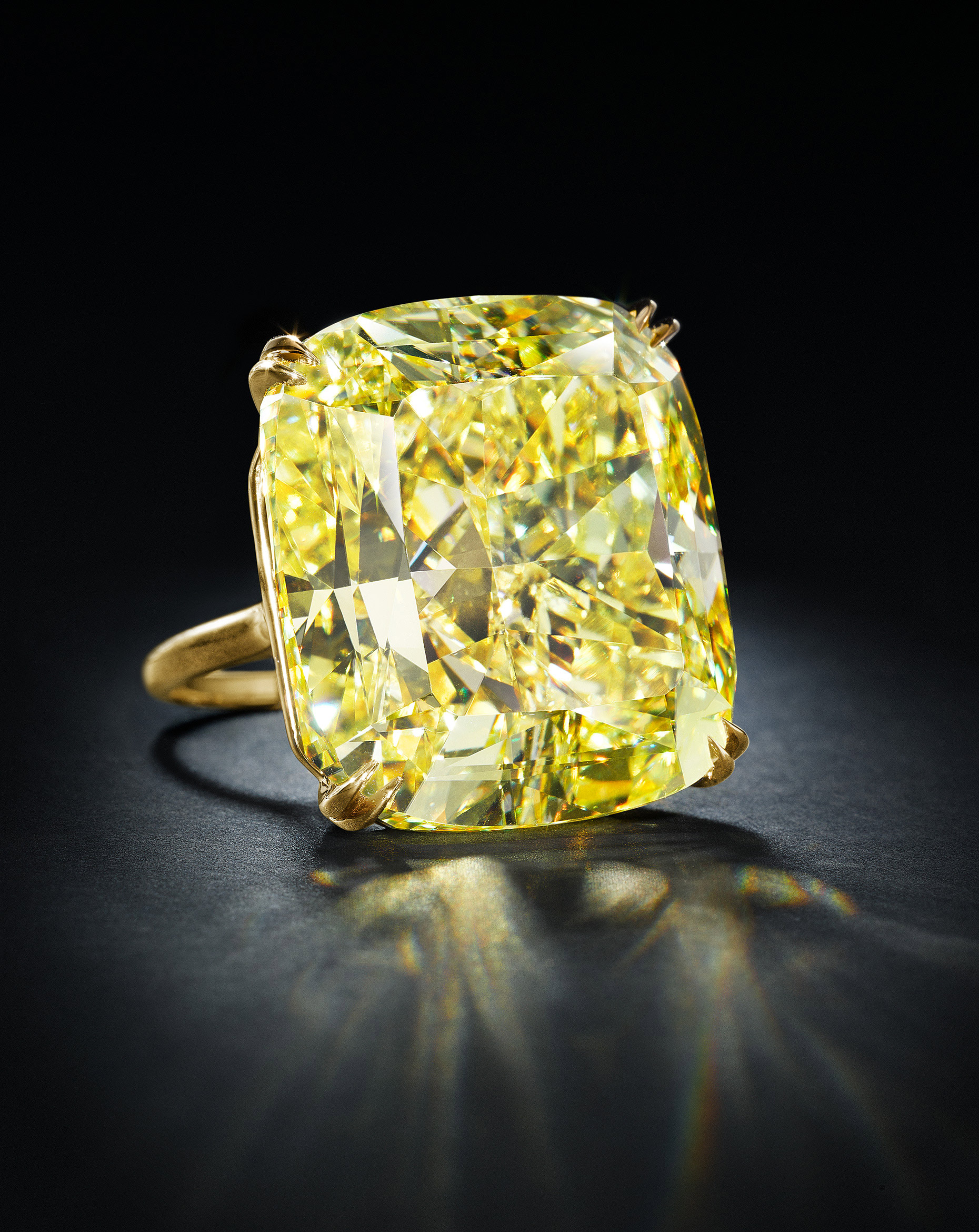 YellowDiamondGoldRing